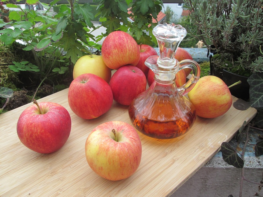 Apple vinegar for whitening