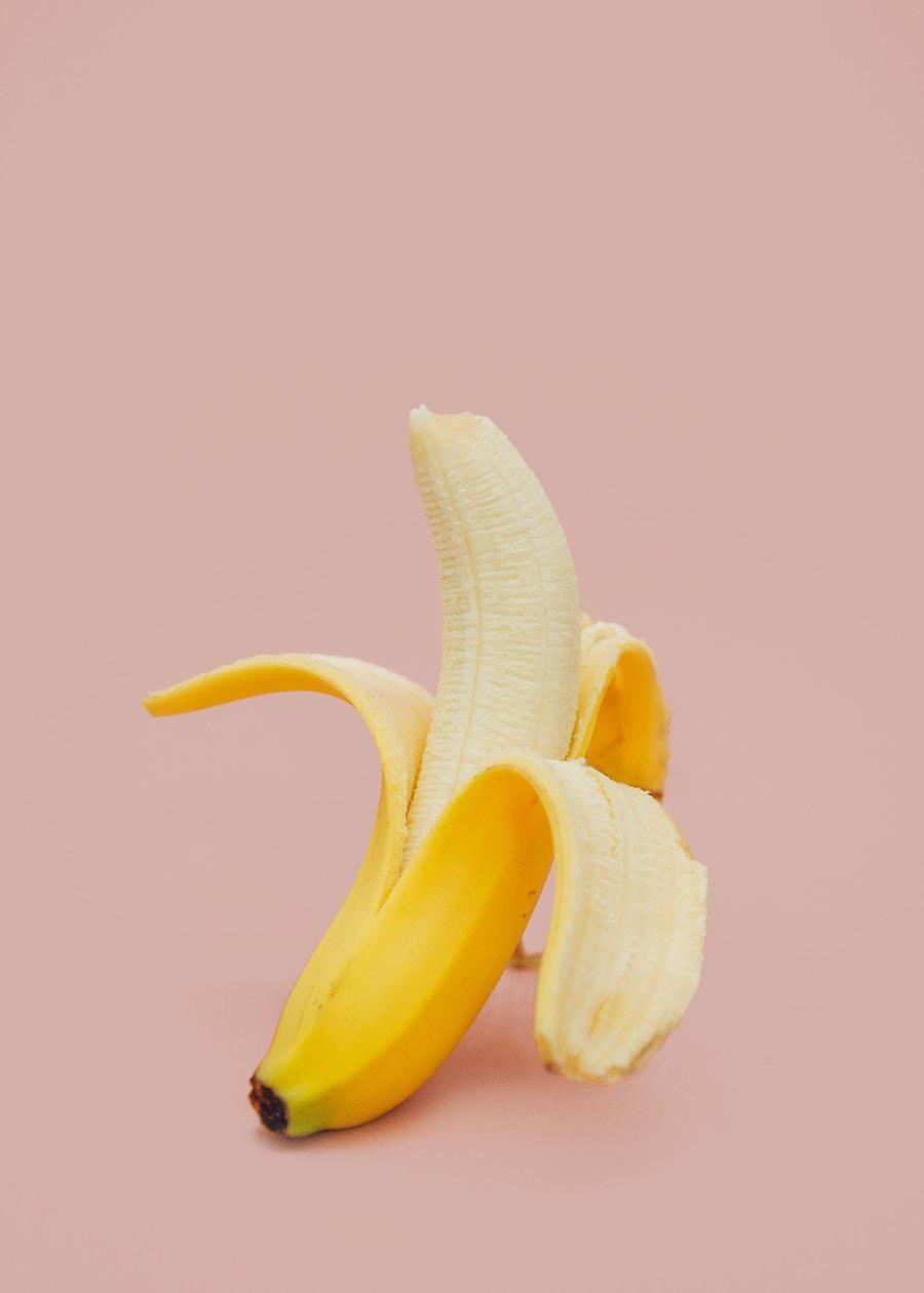 Whitening banana peel