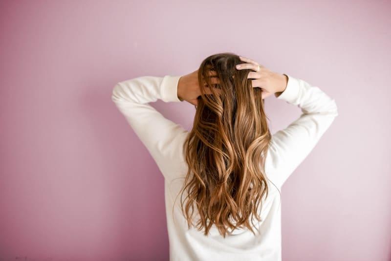 Lavarte el pelo a diario puede ser perjudicial