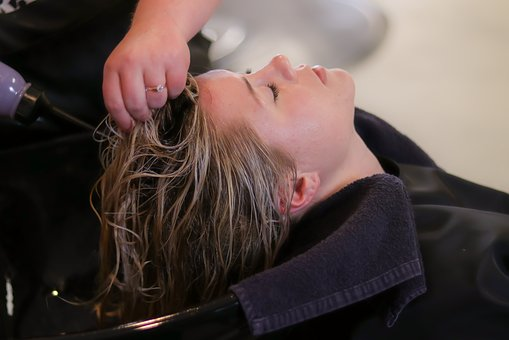 Lavarte el pelo a diario es perjudicial