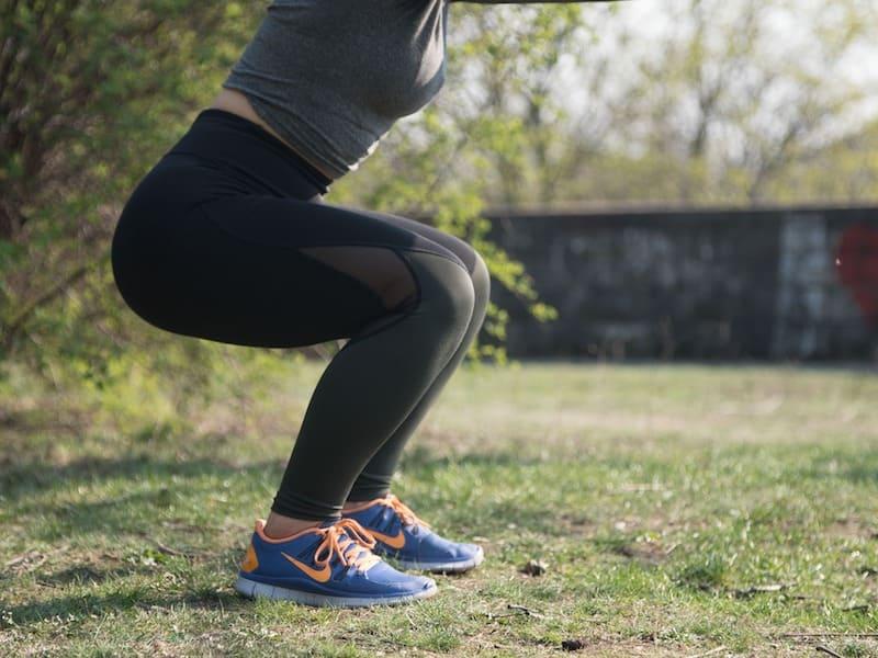 Tonifica tu cuerpo en casa con estos 6 ejercicios