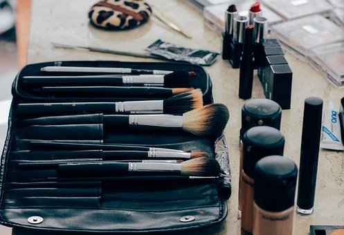 make up brushes and foundation
