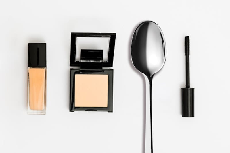 5 Ways You Can Use A Spoon For Beauty Hacks