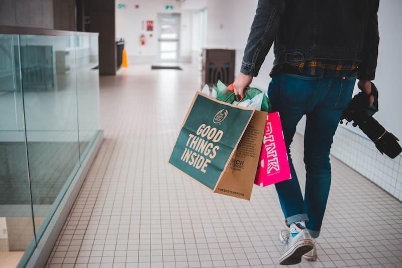 ¿Es mejor comprar ropa On-line o en tienda física?