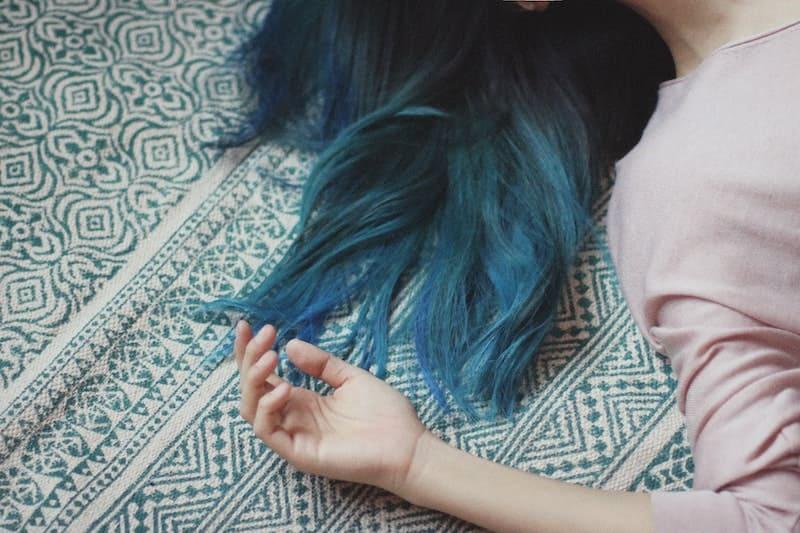 Tíñete el pelo en casa como una profesional