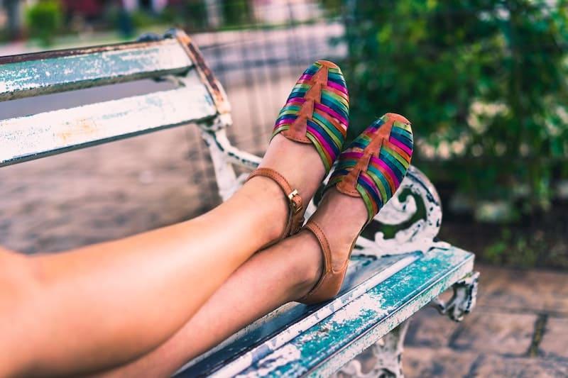 Te enseñamos como combinar las sandalias este verano