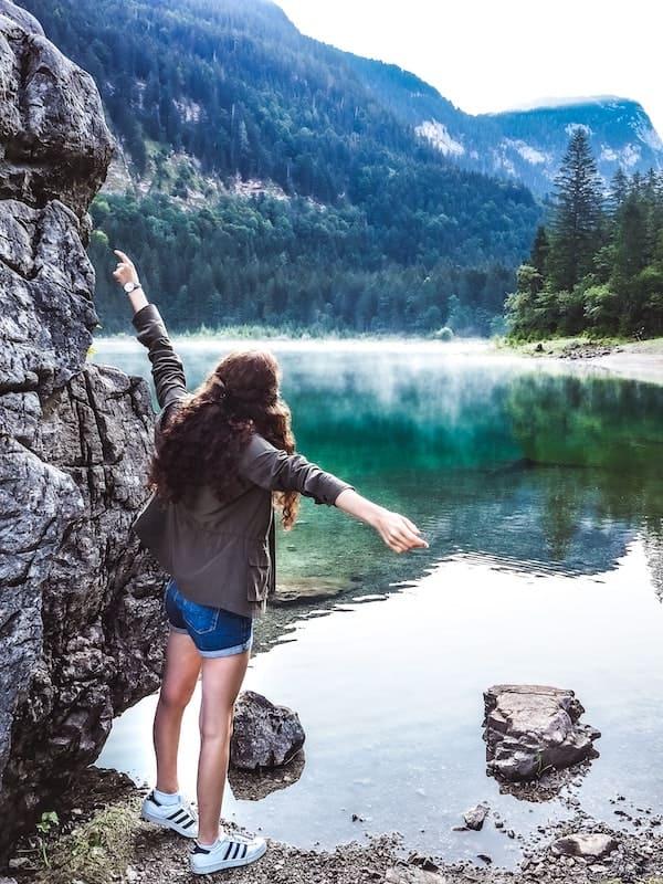 shorts en un lago